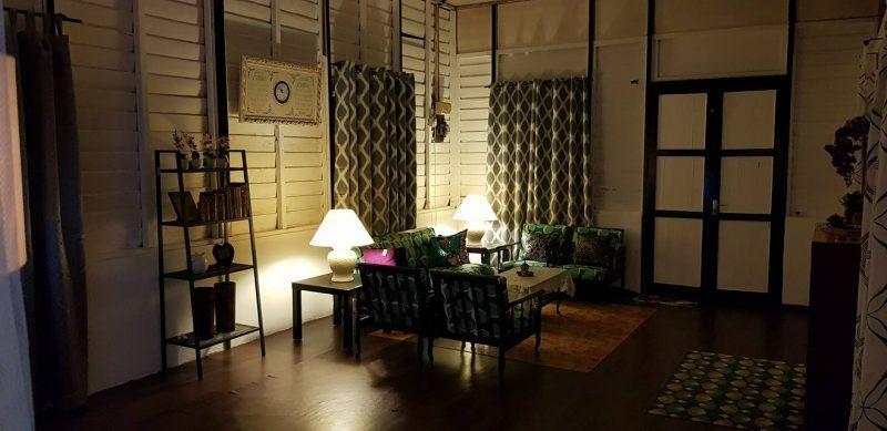 Deko Laman Rumah Kampung Menarik Sepakat 6 Beradik Menantu Hadiahkan Mak Deko Raya Vintage Retro