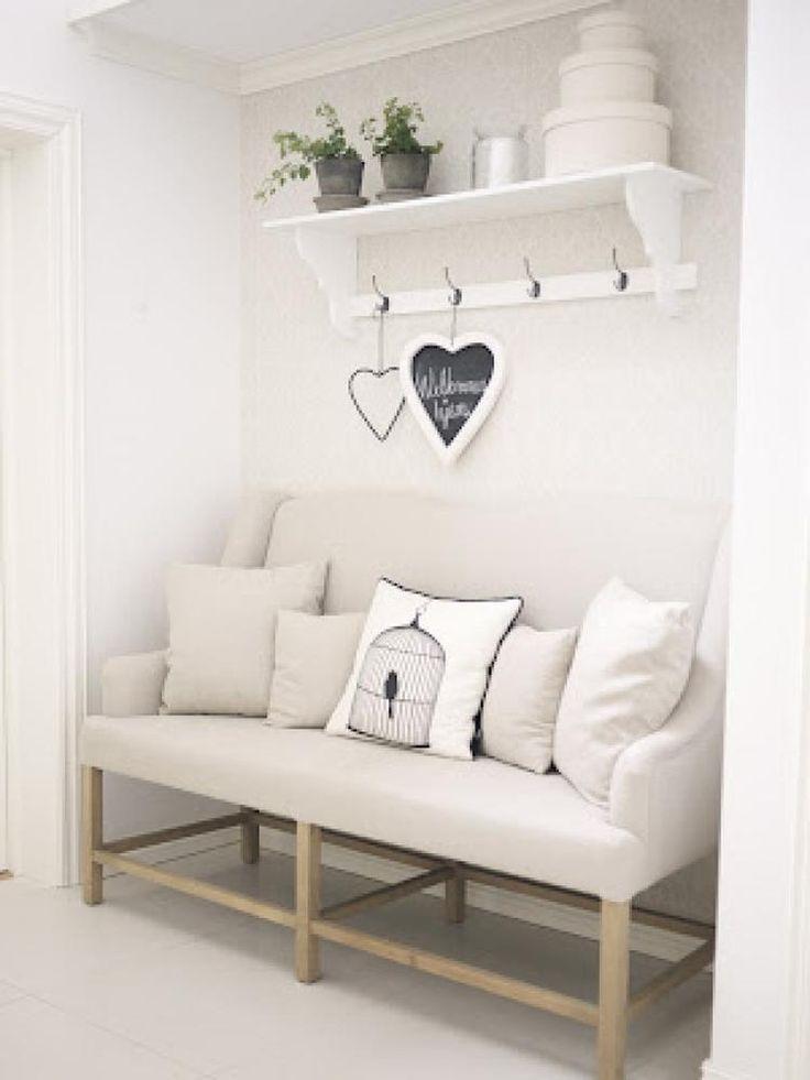 Foto Gemütliche Ecke für einen Flur und tolle Garderobe Veröffentlicht von BloggerGirl auf Spaaz