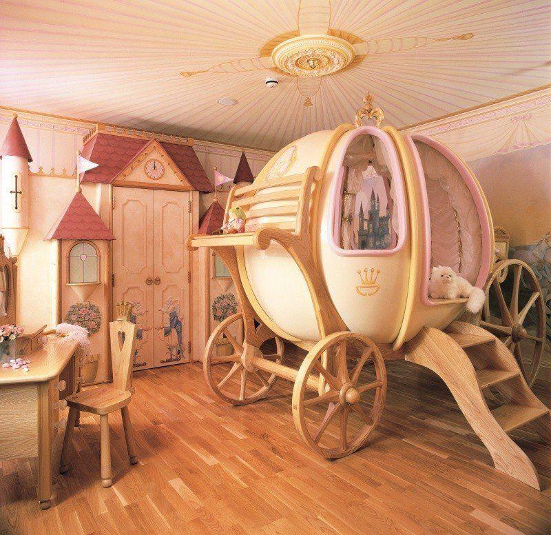 Bilik tidur Cinderella Anak perempuan mesti suka yang ini Paling kreatif reka bentuk katil di bilik tidur ini nampak macam kereta labu dalam cerita