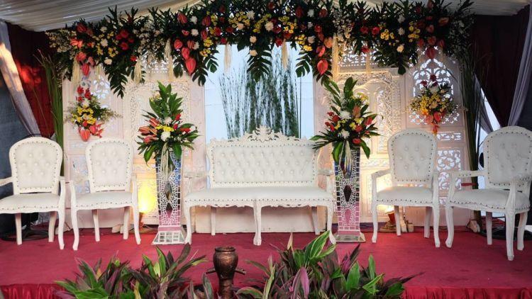 Dekorasi Halaman Rumah Berguna 15 Model Pelaminan Untuk Pesta Pernikahan Di Halaman Rumah