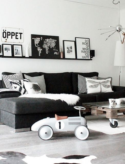 [ Tips Deko ] 15 Idea Dekorasi Ruang Tamu Dengan Warna Tema Hitam Putih