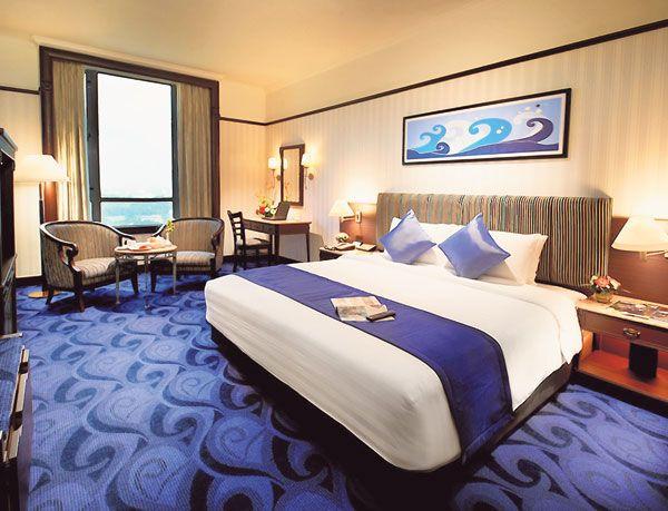PENATAAN hiasan dalaman dan susun atur perabot yang moden menyerlahkan pesona setiap suite di Hotel Grand BlueWave