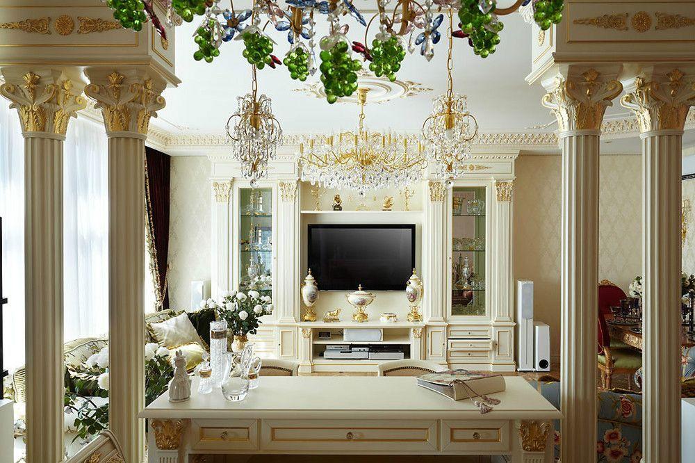 Dekorasi dari plester di ruang tamu