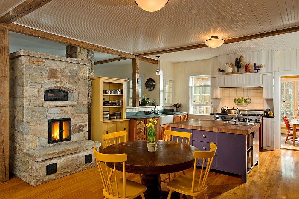 VIEW IN GALLERY Unggun api menjadi penarik dalam hiasan dalaman dapur di New York ini