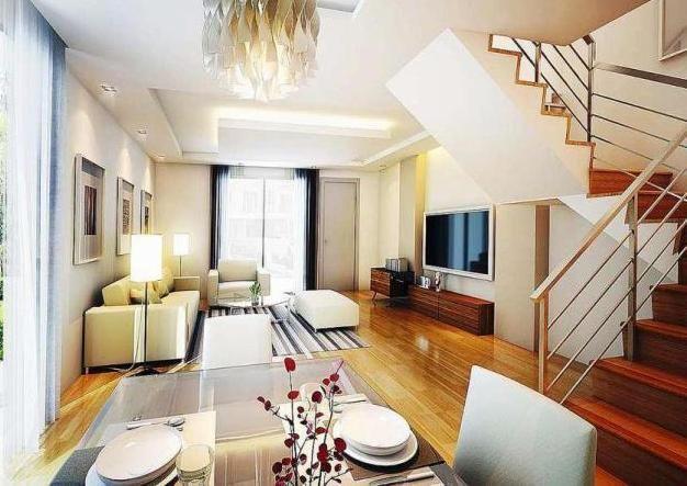 interior minimalis 2 lantai menggunakan tema kayu