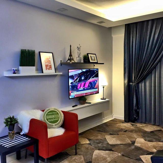 Anis Syuhada juga telah melakukan hiasan dalaman untuk pangsapuri kecil yang kelihatan seakan seakan bilik pameran IKEA ini Dengan reka bentuk dan susun