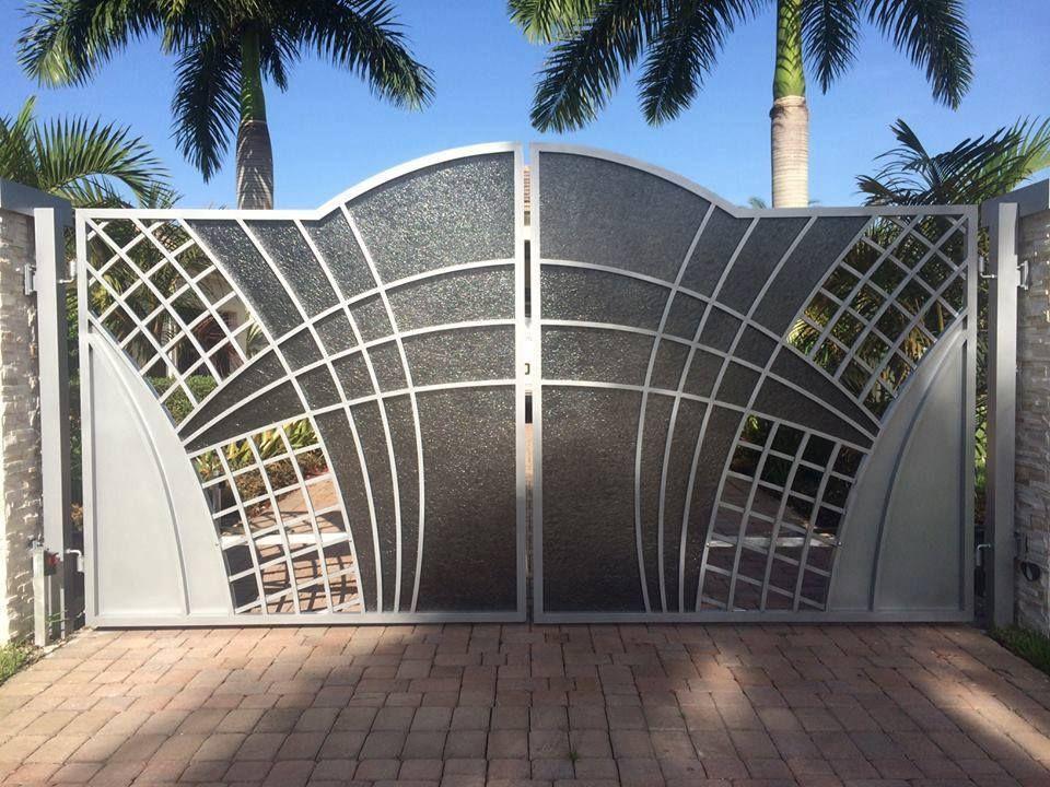Model pintu pagar besi minimalis sesuai untuk moden
