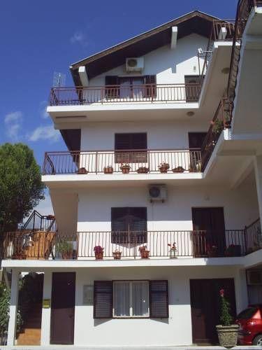 Pelan Rumah 2 Tingkat 5 Bilik Bermanfaat Apartmani Dado Ulcinj – Harga Terkini 2018