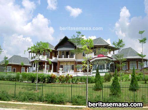 Istana Dato Anuar Musa mantan Menteri Pembangunan Luar Bandar