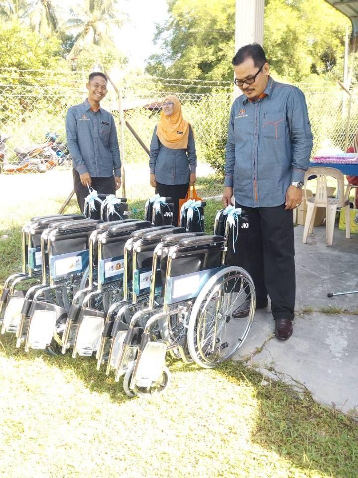 kg Nako Nambua Pejabat Kebajikan Masyarakat Daerah Padang Terap telah mengadakan penyerahan kerusi roda kepada 5 orang penerima Geran Pelancaran satu orang