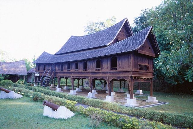 Rumah Melayu Negeri Sembilan This quality work of art is created through the process of evolution shaped by time and entrenched and interwoven with