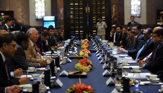 PERDANA Menteri Datuk Seri Najib Razak mengadakan perbincangan meja bulat dengan pemain industri India Selatan sempena lawatan dua hari ke Chennai