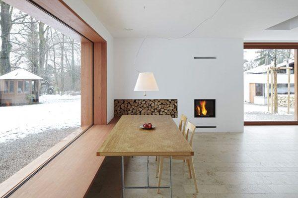 Dianggap dan dilaksanakan oleh Arkitek Jerman Rumah 11 x 11 memberikan gambaran keseluruhan kecil yang padat Perkampungan kontemporari di atas 1 960