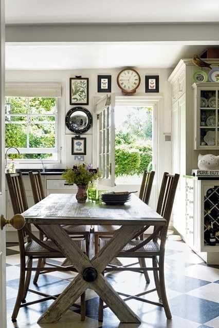 Ruang makan ber a klasik Sumber houseandgarden