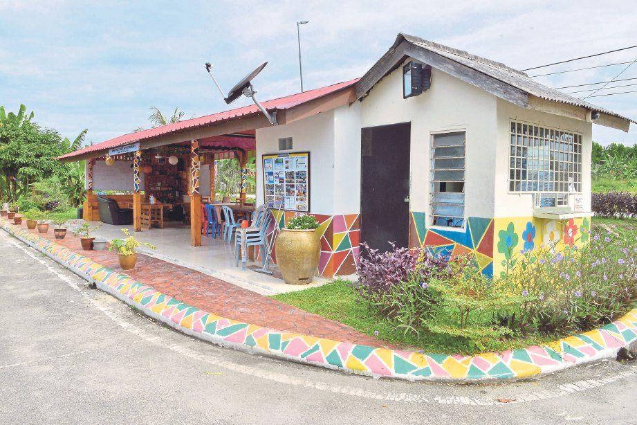 ANTARA hiasan dekorasi taman yang menarik dihasilkan oleh penduduk Taman Tanjung Api Api