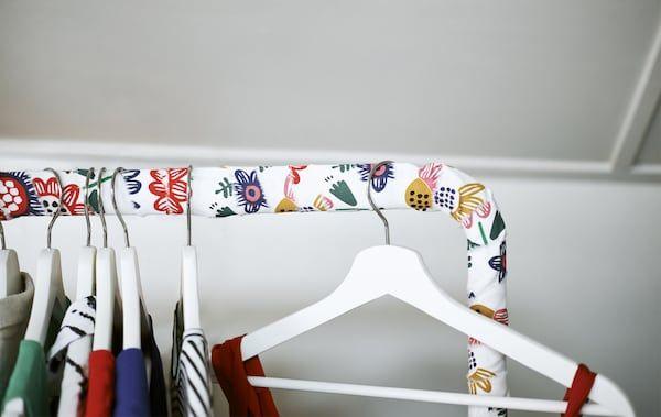 Kunjungan sesuaikan rel pakaian dengan tekstil