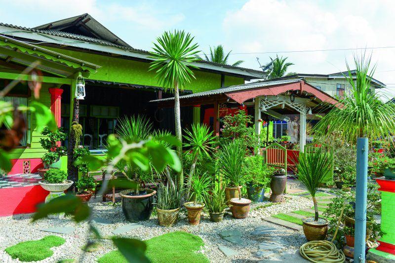 Susun atur Menarik Rumah Ruang Kecil Bernilai Gambar Laman Kampung Banyak Guna Pasu Nampak Lebih Kemas Dan