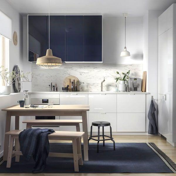 Dapur mini yang gilap dan sofistikated