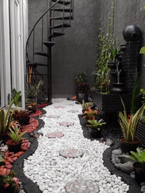 taman minimalis dalam