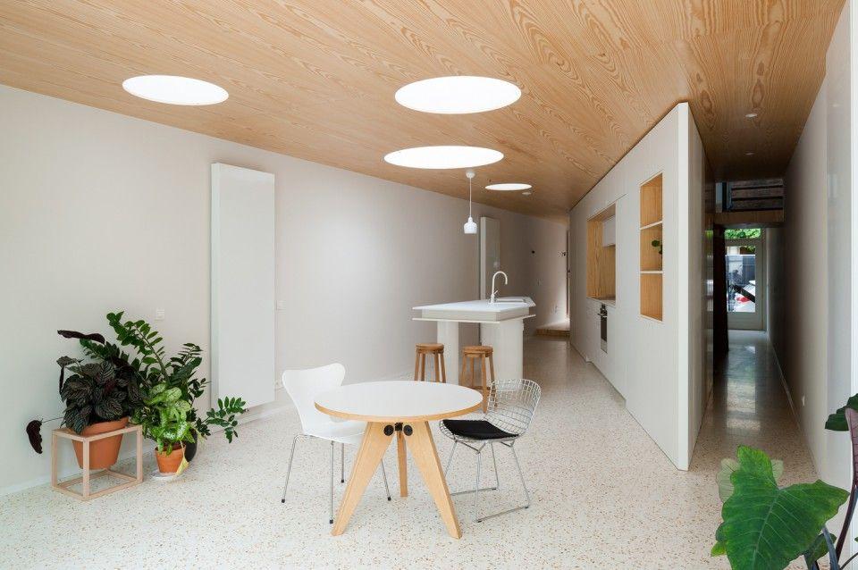 Cara Untuk Dekorasi Ruang Tamu Memanjang Menarik Rumah Memanjang Ini Bisa Membuat Ruangan Lebih Luas Dan Terang