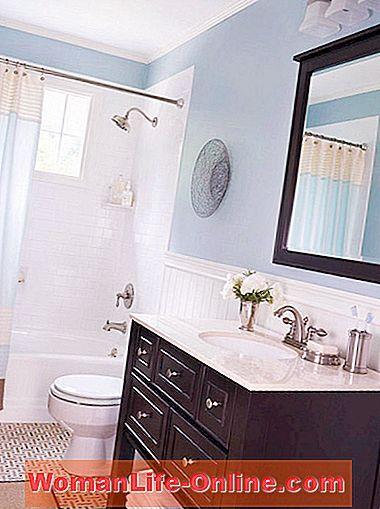 Warna adalah cara yang hebat untuk bangun bilik mandi yang membosankan Layari idea bilik mandi berwarna warni yang indah kami sebelum anda pergi ke kedai