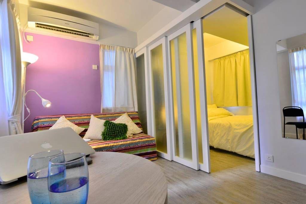 Terutama cantik ia akan kelihatan dalam kombinasi dengan warna biru dalam reka bentuk bilik