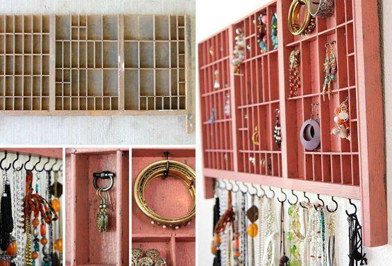 Terutamanya perhiasan melihat kreatif dalam kerangka di dalamnya tali tali diperketatkan Ini cara yang tidak mudah untuk menyimpan barang kemas