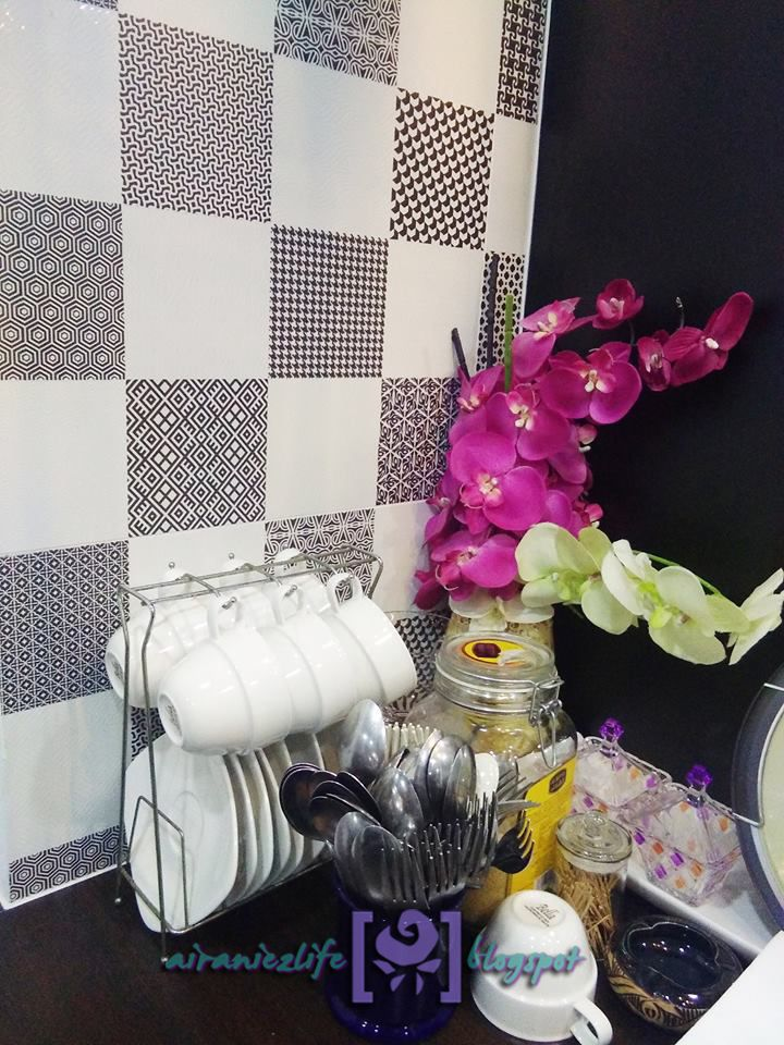 Tiles yang digunakan untuk backsplash Projek Dapur di Cheras