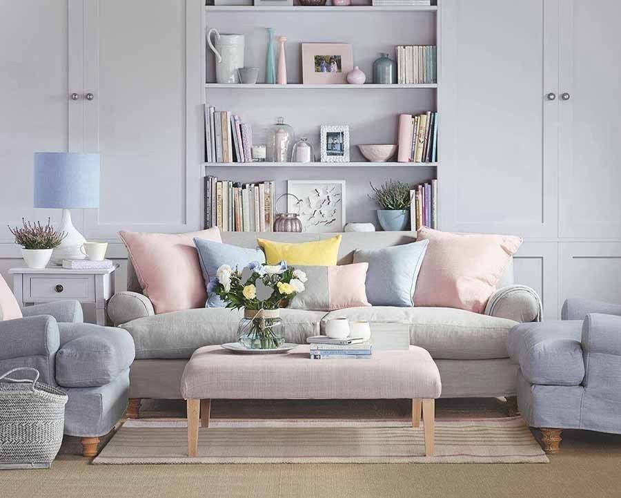 Warna pastel & netral jadi warna paling ideal untuk ruang tamu kecil