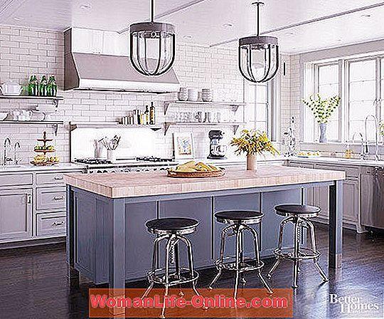 selesa kepada dapur yang berwarna putih dan putih seperti ini akan menjadi satu cabaran Tetapi fikirkan lagi Adalah mudah untuk menambah a