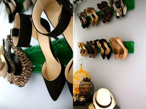 Penyangkut kayu bagi kasut tumit tinggi