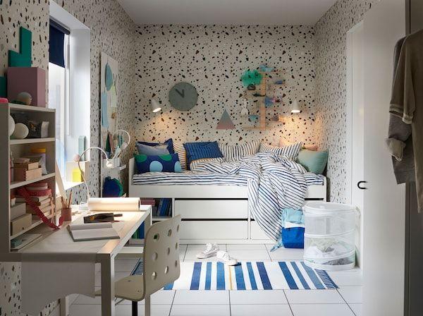Mengekalkan bilik tidur praremaja berwarna biru nyaman