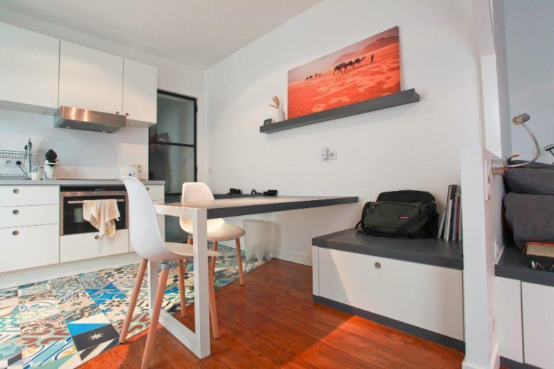 Berikut terdapat beberapa contoh saiz dapur yang kecil dan sempit tetapi bijak di akan oleh pemilik kediaman menjadi sebuah ruang yang sangat Charming and