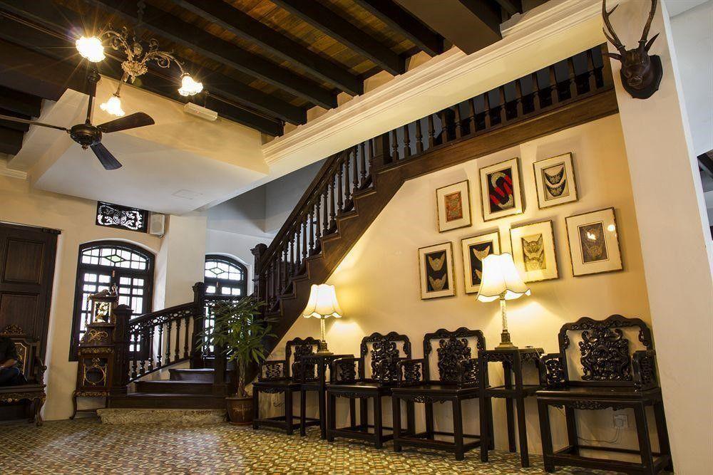 Dari jauh lagi anda dapat melihat keindahan reka bentuk hotel yang unik dan begitu klasik ini Pada saat anda melangkah masuk ke dalam lobi hotel