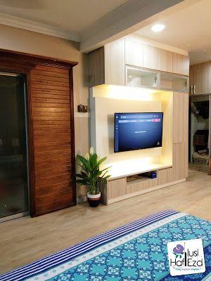 Kami juga telah mengubahsuai ruang tamu dan ruang makan dengan menambah lantai vinyl dan wallpaper Ruang yang dahulunya kusam menjadi terang bila diserikan