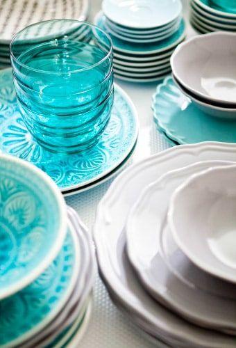 Susun atur Impian Meletup Dapur Berwarna Putih Bersama Letusan Warna Dan Corak