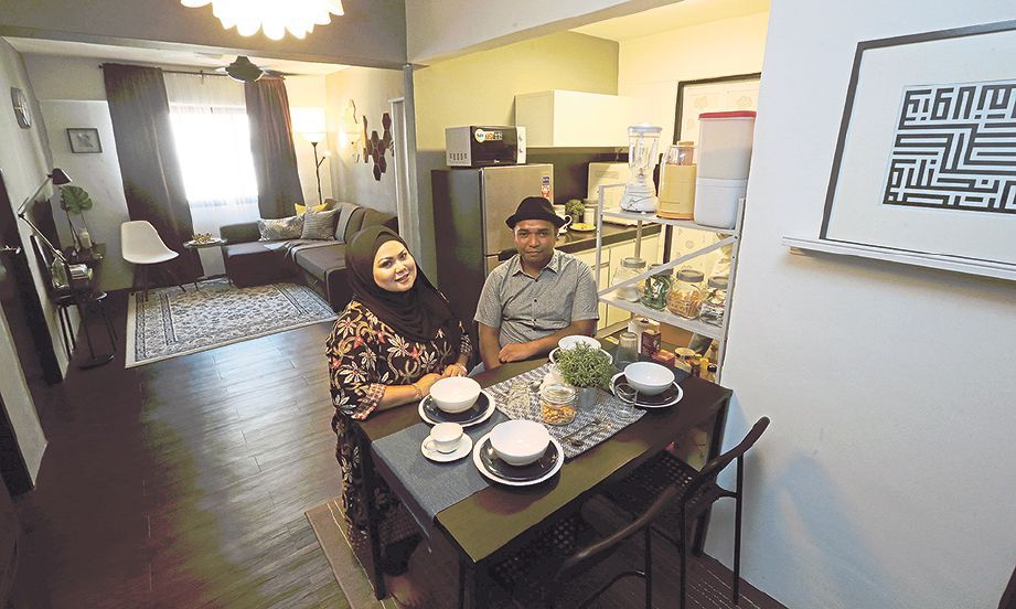 NUR Adlina bersama Syahrul di kediaman mereka